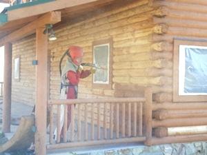 Log Cabin Repair   Media Blasting a Log Cabin
